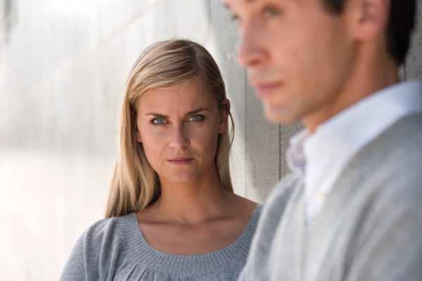 Este estudio analiza el sadismo cotidiano femenino contra el hombre